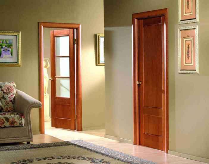 Деревянные двери в интерьере квартиры